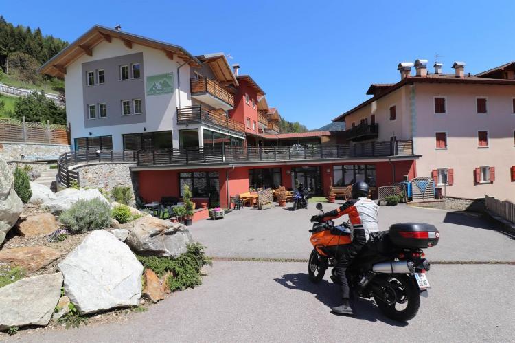 Motociclisti Alpen Garten Hotel Margherta Rumo Tre