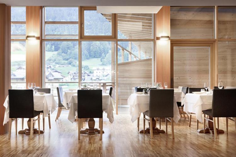 ristorante corona dolomites hotel