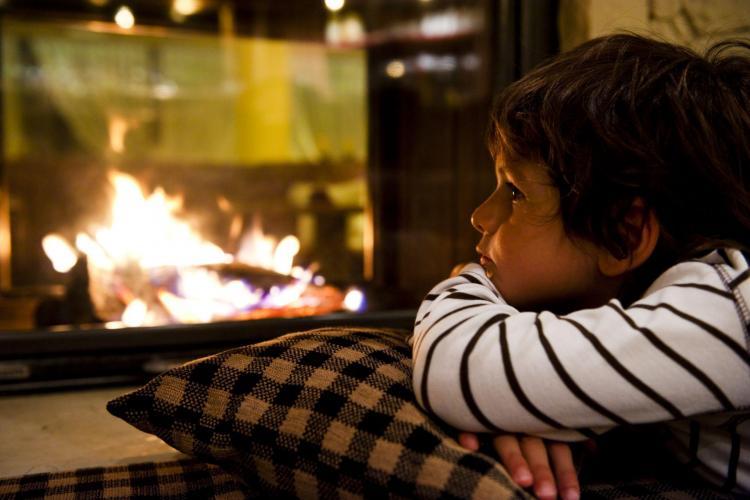 ASH_child_fireplace