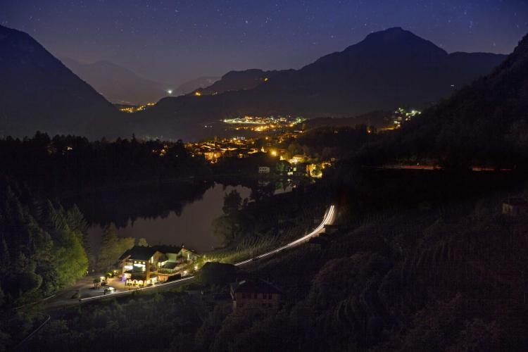 Lago di Canzolino di notte
