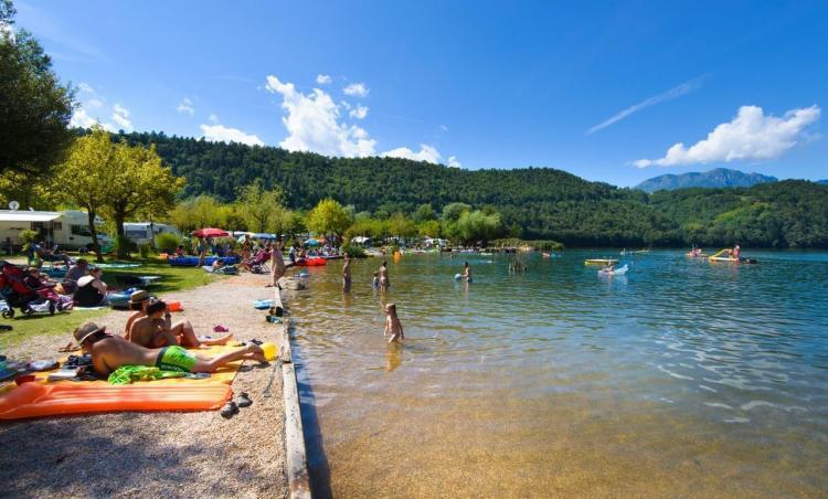 Spiaggia privata Camping Levico