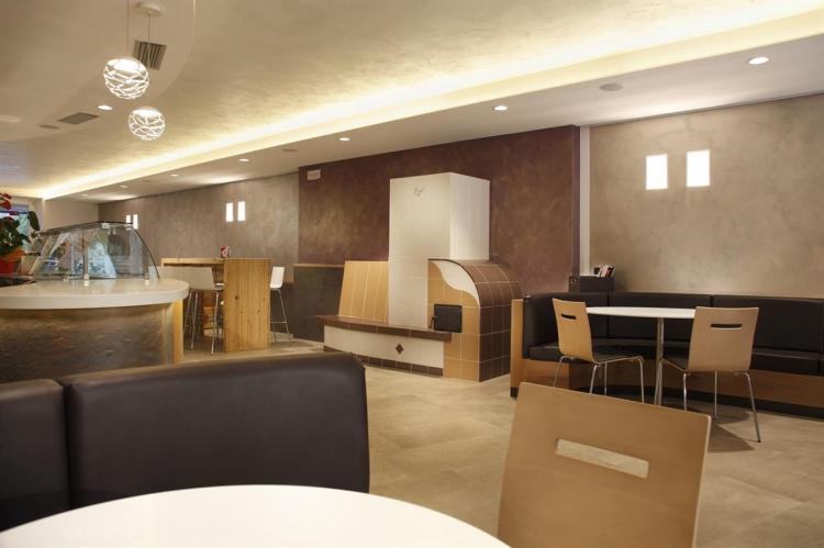 tavolini area bar
