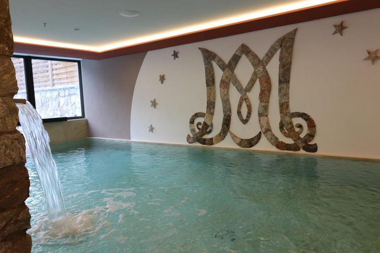 piscina interna esterna