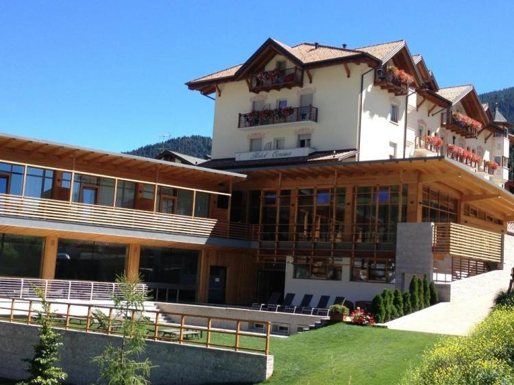 Esterno Corona Dolomites Hotel