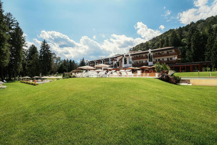 grand hotel-comano terme-parco-natura-trentino