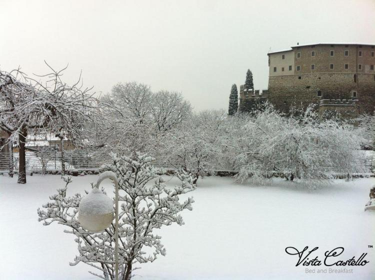 giardino-neve-vista-castello
