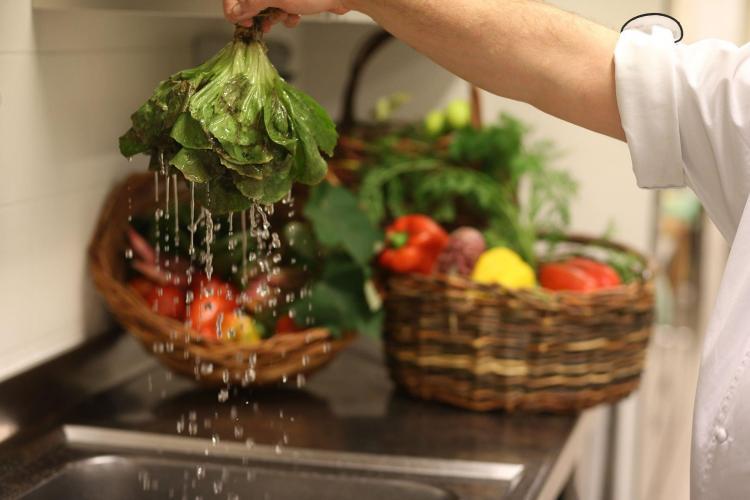 ASH_kitchen_food_salad