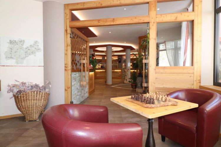 Sala TV Alpen Garten Hotel Margherita Rumo