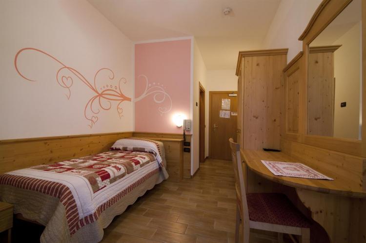 Hotel Sport snc - CAMERE (9)