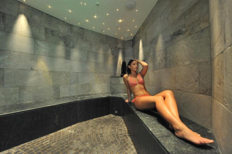 Parc_Hotel_Du_Lac_-_sauna_con_vista_sul_lago