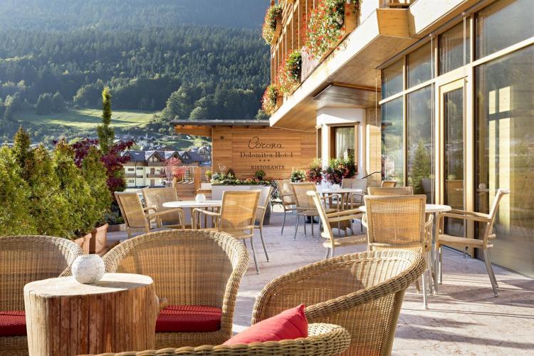 terrazzo bar corona dolomites hotel