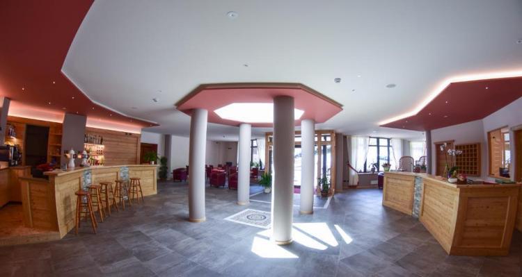 Hall, Reception e Bar