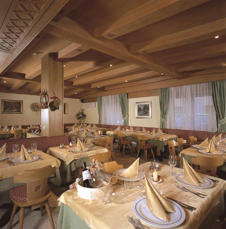 Sala Ristorante - hotel Eccher - Val di Sole