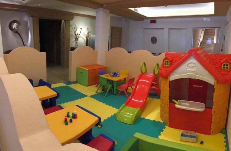 area bimbi hotel Miralago