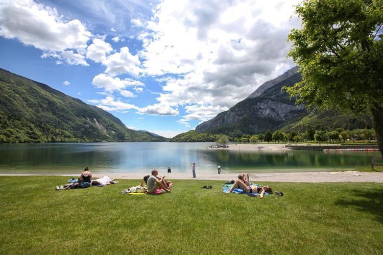 Lago_Molveno_2_407x175