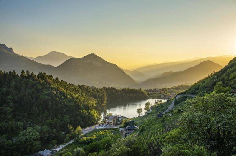 lago Canzolino Miralago tramonto Trentino