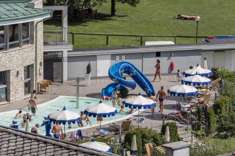 Parc_Hotel_Du_Lac_-_veduta_piscina_esterna