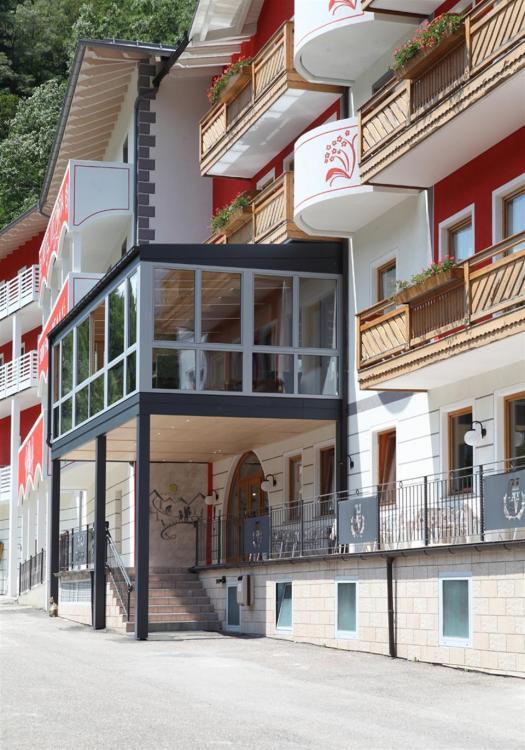Esterno Hotel Vittoria Dimaro Val di Sole