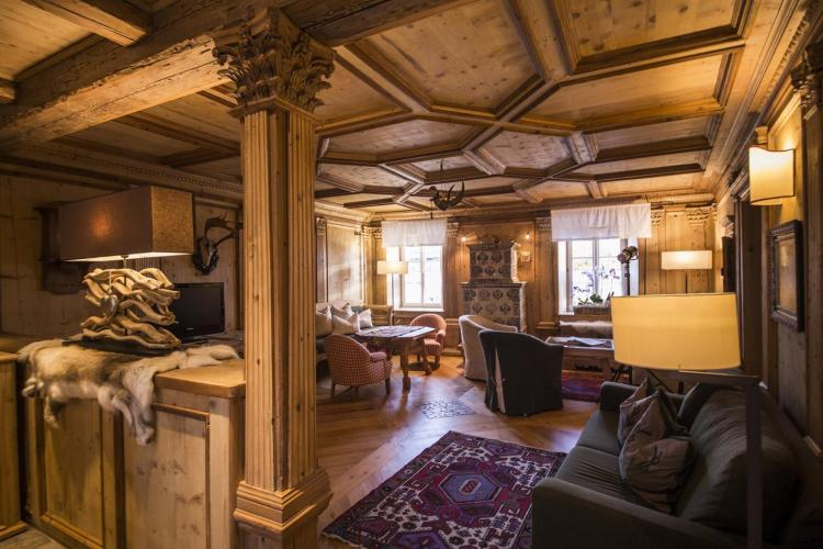 La stube in legno all'Hotel Garnì Laurino