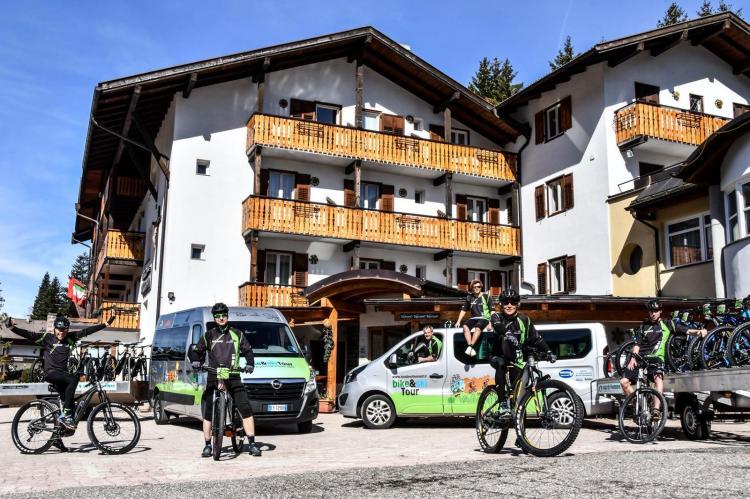 team e-bike