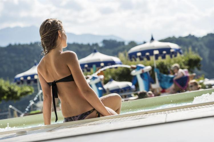 Parc_Hotel_Du_Lac_-_piscina