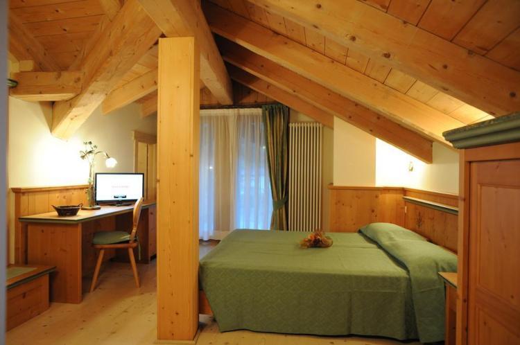 Casa Moresc camera stile alpino