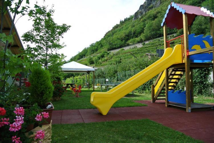giardino Miralago hotel family giochi per bambini