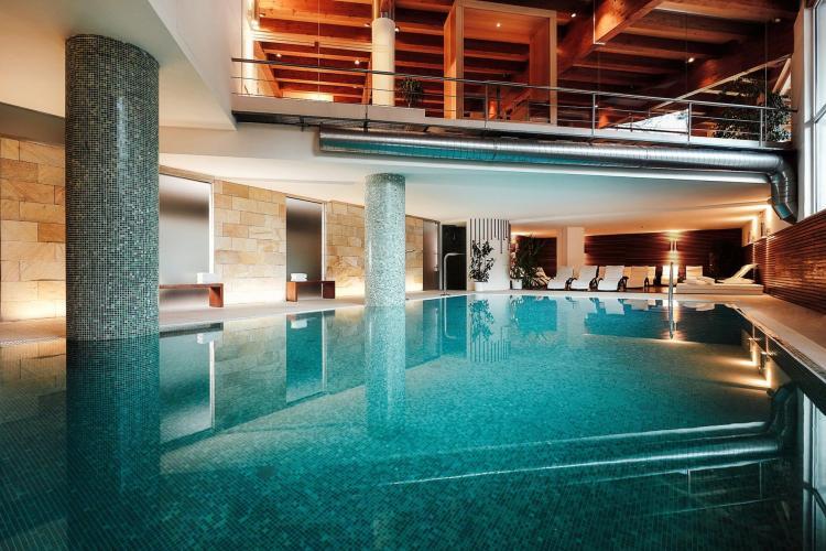 piscina-comano terme-spa-grand hotel-trentino