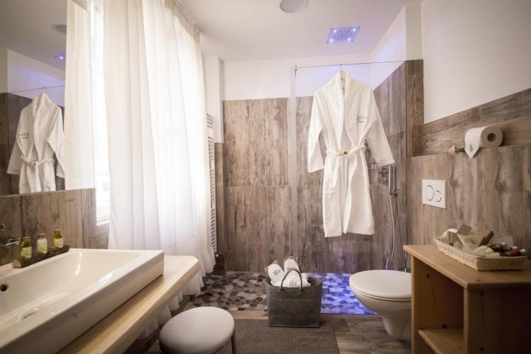 Bagno Camera Lagorai val di fiemme hotel di charme
