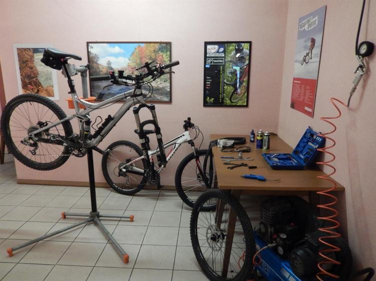 Officina bike - Hotel Vittoria Dimaro
