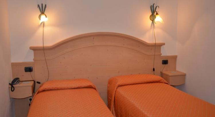 albergo-ristorante-la-moleta-spiazzo-013 DOOPIA