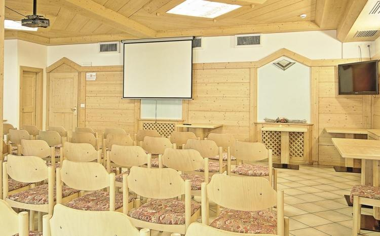 Sala convegno 001