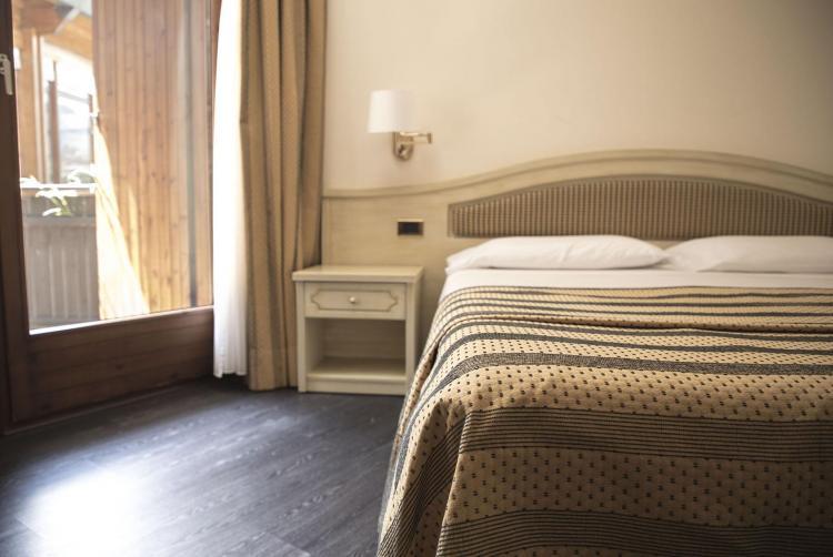 Camera Comfort Plus, hotel a Comano Terme