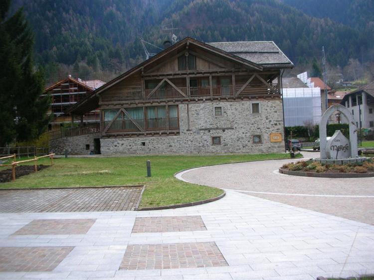 Casa Moresc esterno estate