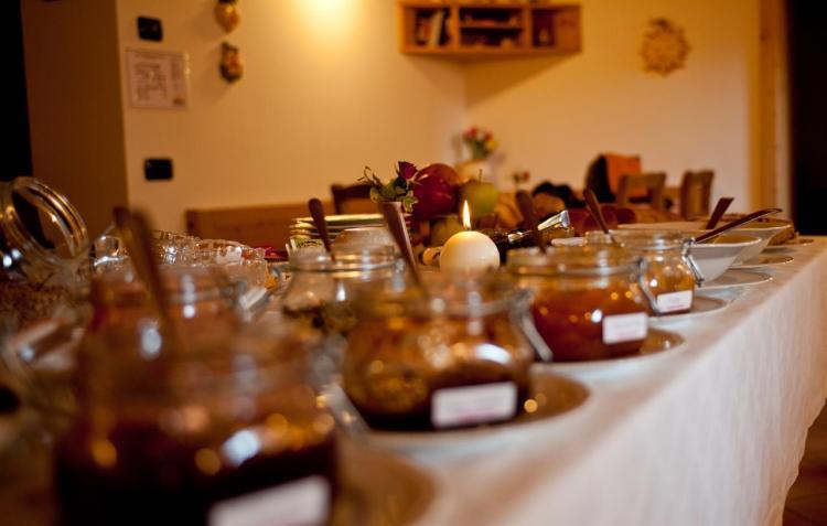 Tavolo del buffet